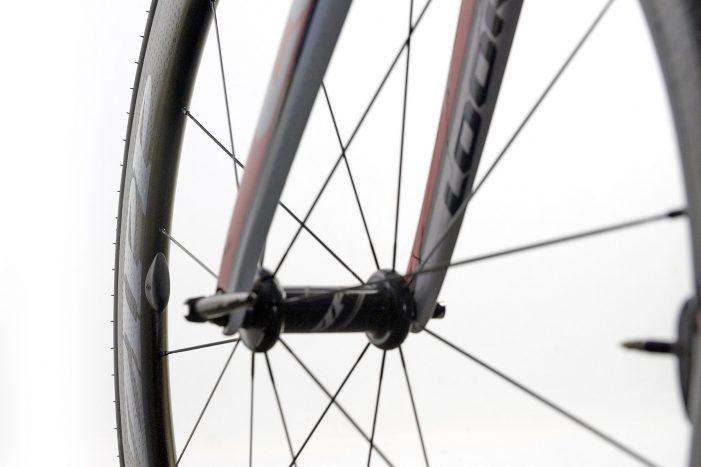 Silca_SpeedBalance_aero-wheel-magnet-balancing-setup_on-bike