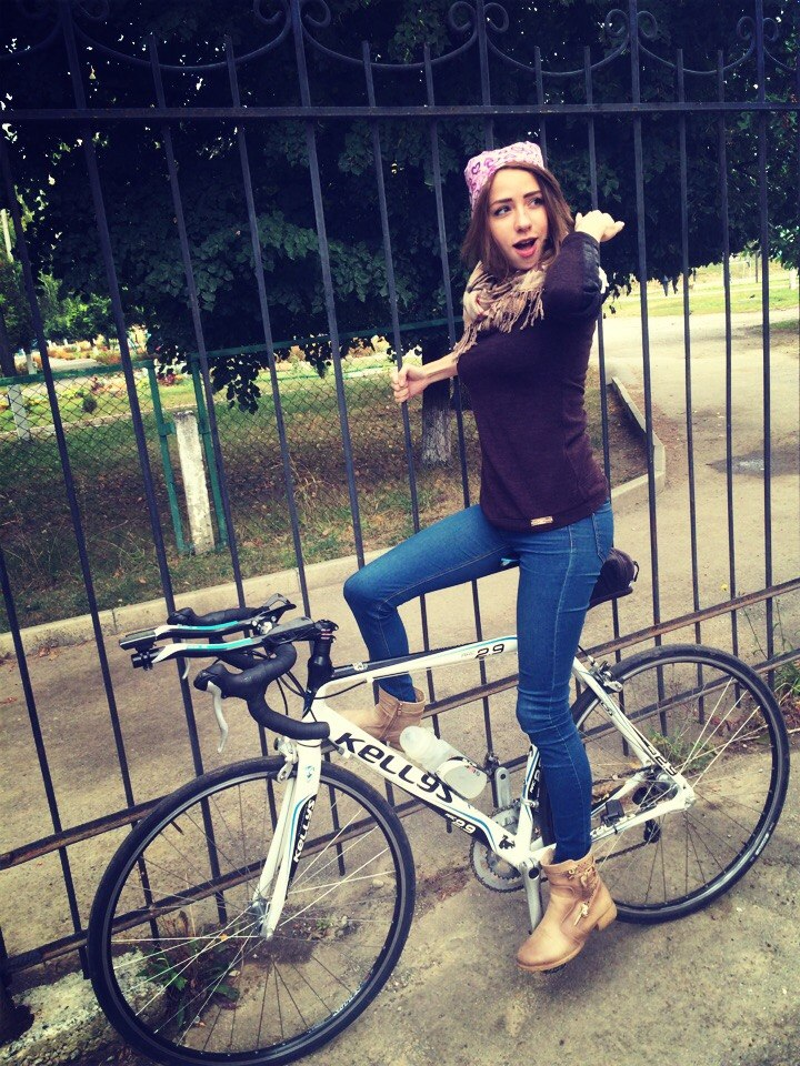 bike-grl-1