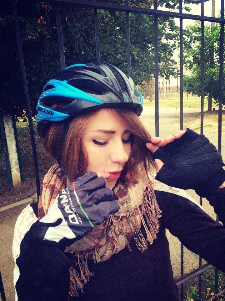 bike-grl-3