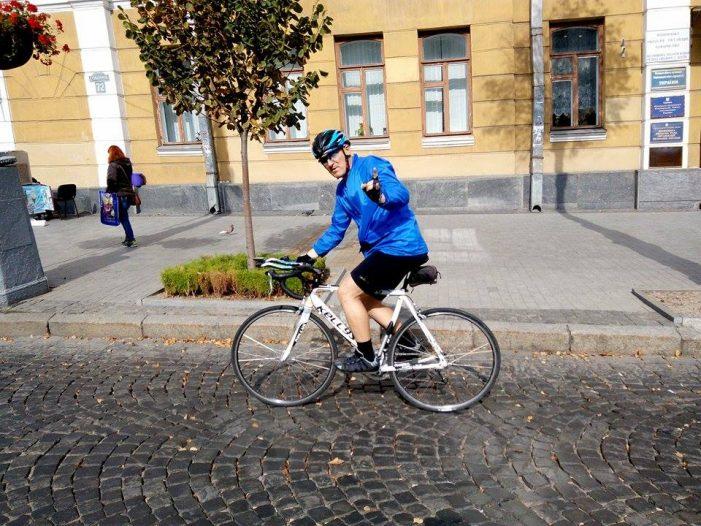 дядя Вова на велосипеде