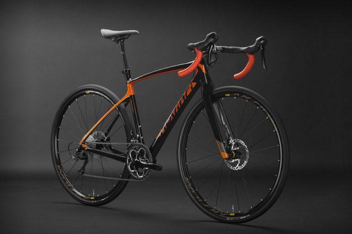Велосипед Devinci Hatchet с новой карбоновой композитной рамой