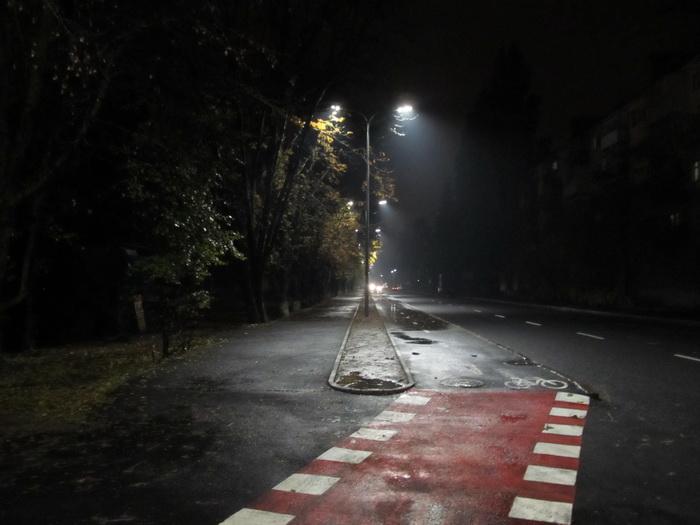 Винница, велодорожка, ночь, осень, фонари, дождь