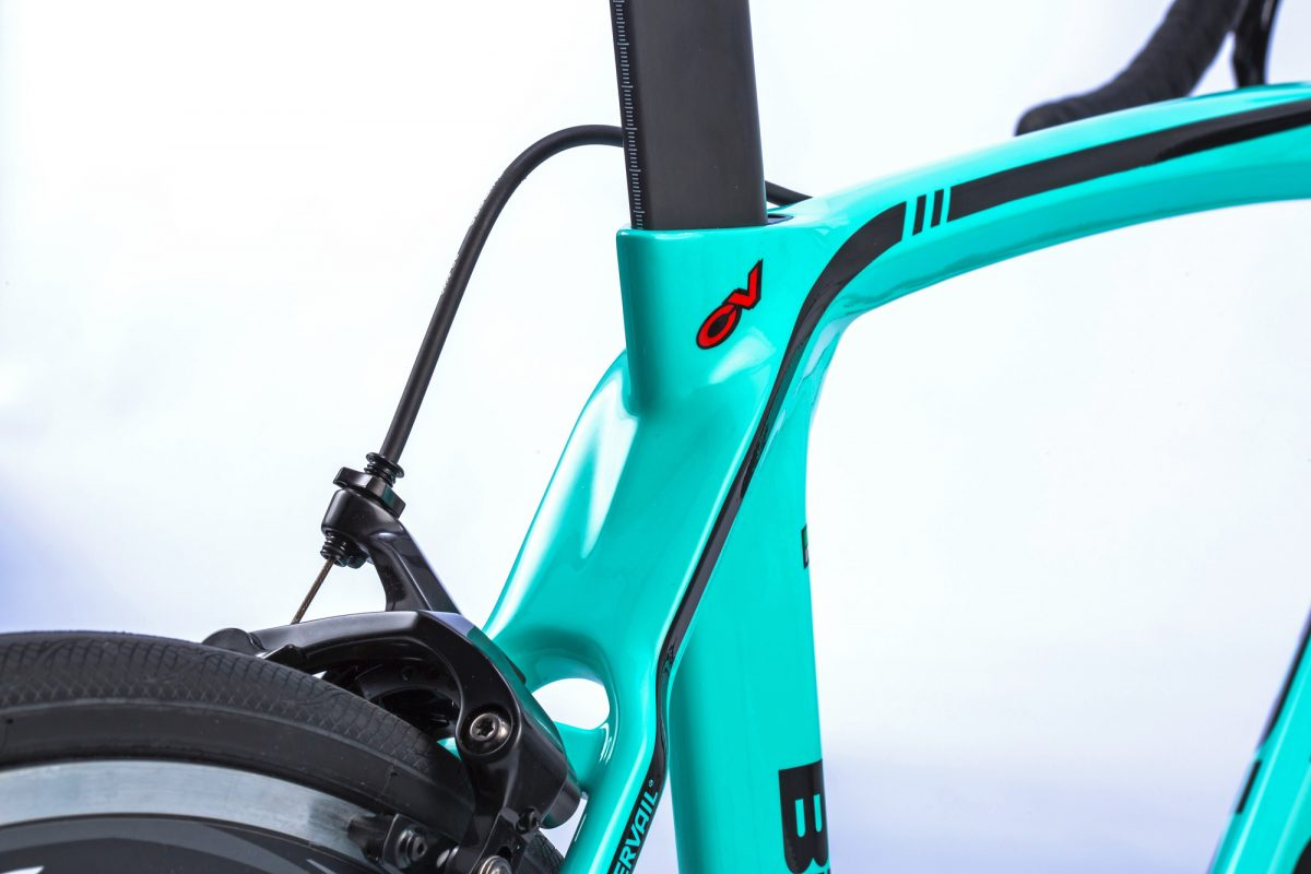 Bianchi-Oltre-XR3_mid-range-Countervail-carbon-vibration-damping-aero-road-race-bike_seat-cluster